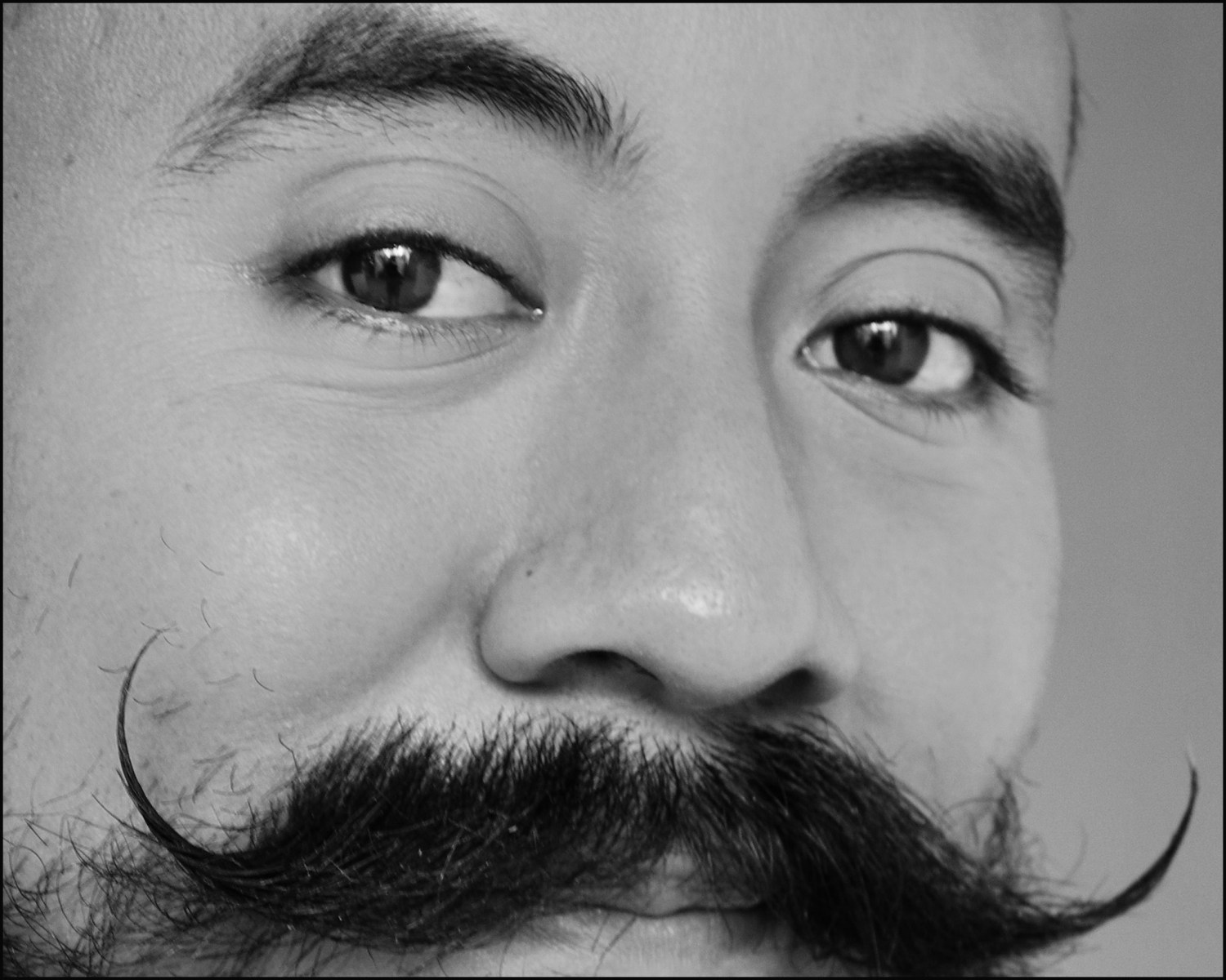 moustache-BWvery-very-tight-square-crop-FSCN1555